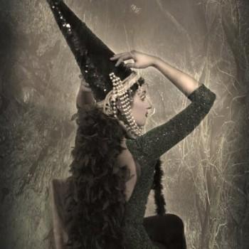dark mermaid alternative fashion