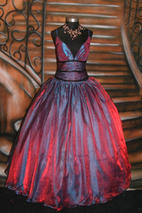 Goth prom dresses - style advice DIY tutorials and buying tips