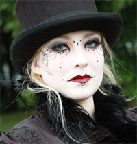 gothic eye makeup made easy