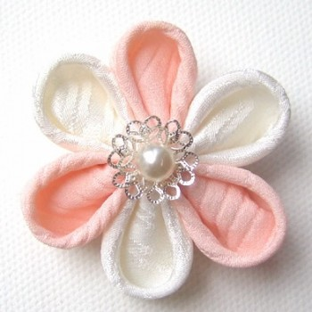 Kanzashi Flower Tutorial | How to make Kanzashi flowers