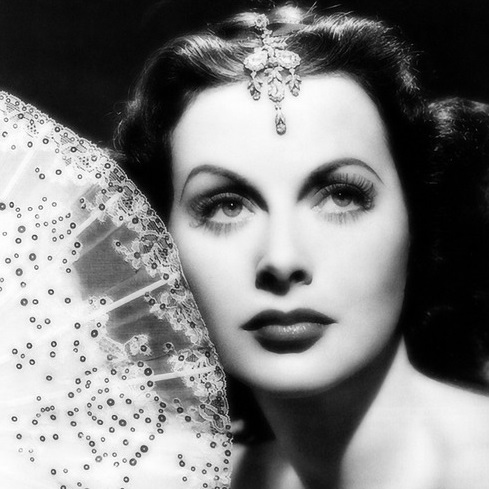 Old Hollywood Glamour Style Tips Become A Silver Screen Goddess