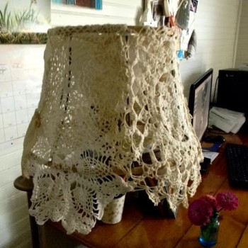 vintage-lace-doily-lampshade