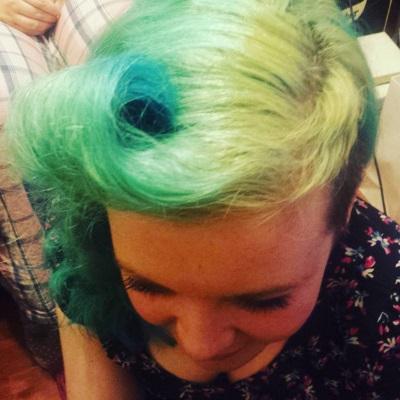 curlformers vintage hairstyle