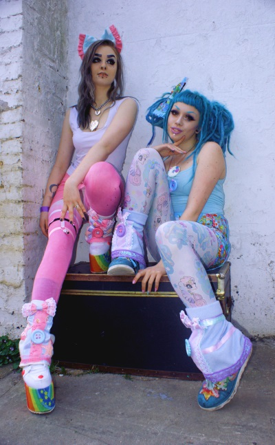 pastel goth clothing plastic and bows unicorn snood