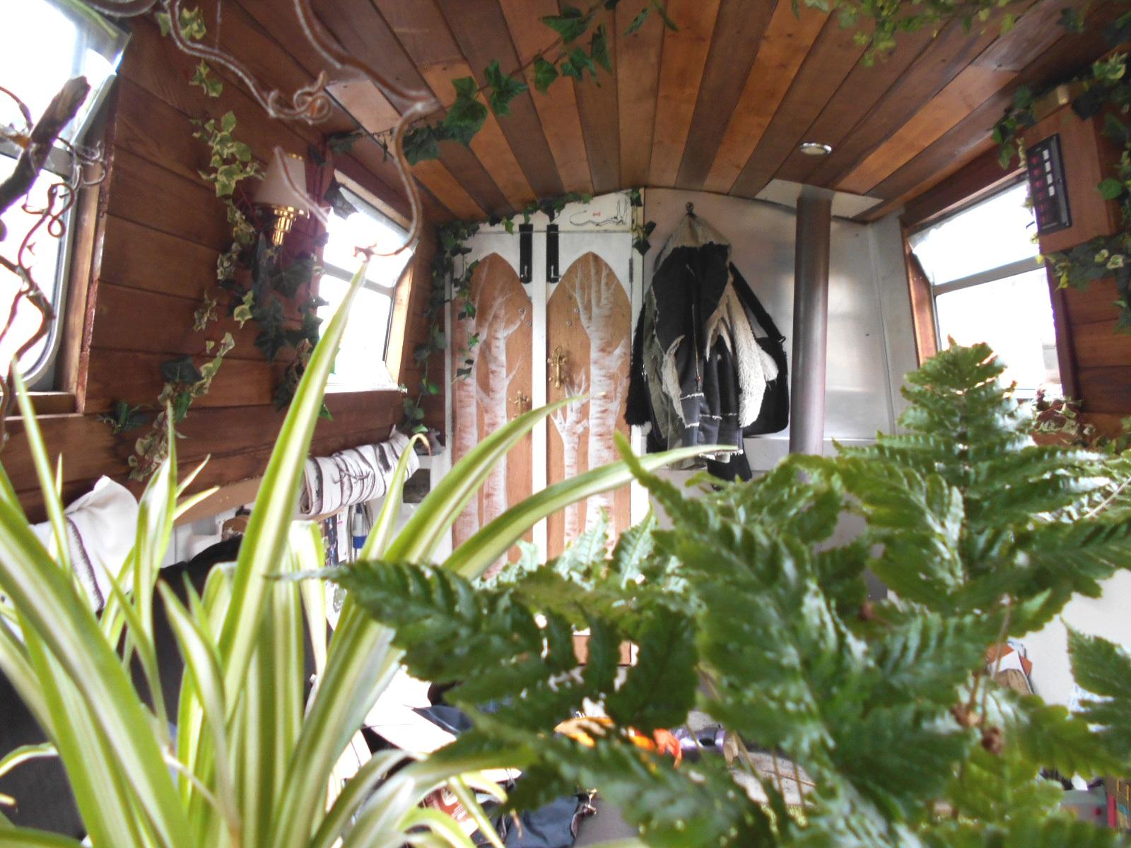 houseboat zen garden