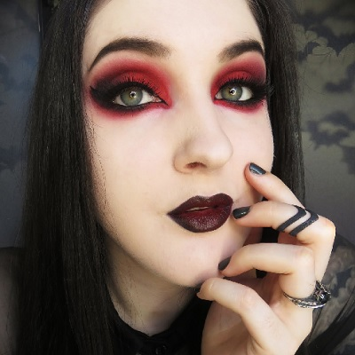 gothic black and red eyeshadow tutorial with biohazardous beauty. Black Bedroom Furniture Sets. Home Design Ideas